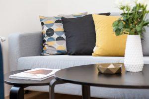 3 interieurtips voor een kleine woning - Raambekleding